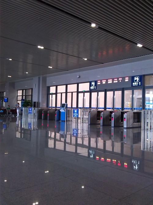 中国の交通は、高速鉄道(高速铁路)で便利になりました!