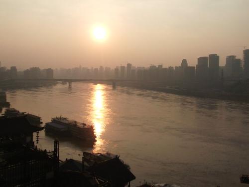 夕日の長江、嘉陵江の合流