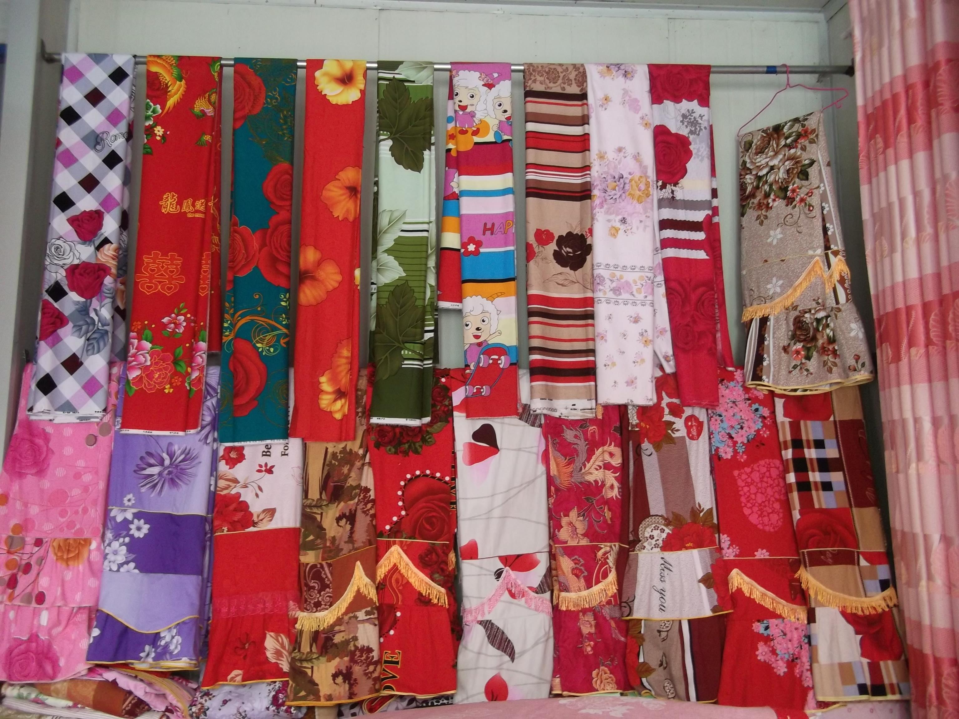 綿花生産世界一! 中国の市場で布製品を探す